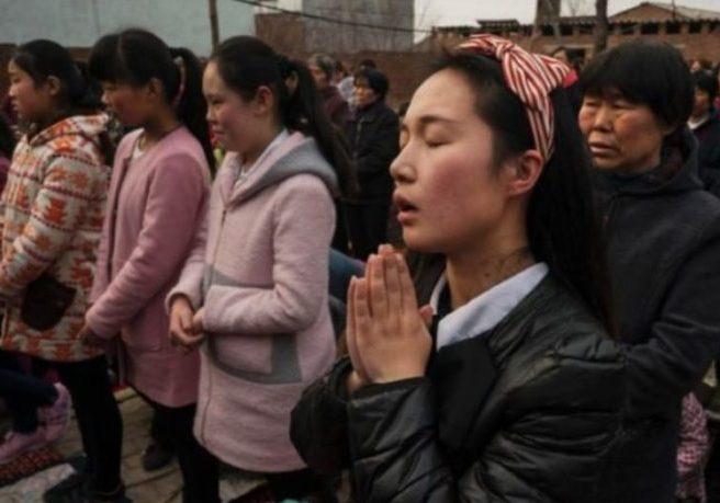 Cattolici in Cina: la Chiesa sotterranea ai raggi X in Italian Newspaper